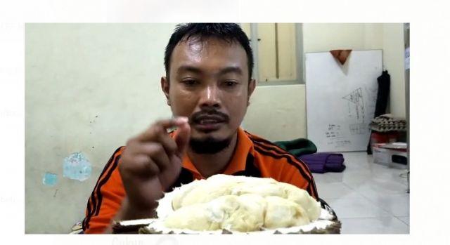 Video Wartawan Lumajang Nikmati Durian Khas Semeru