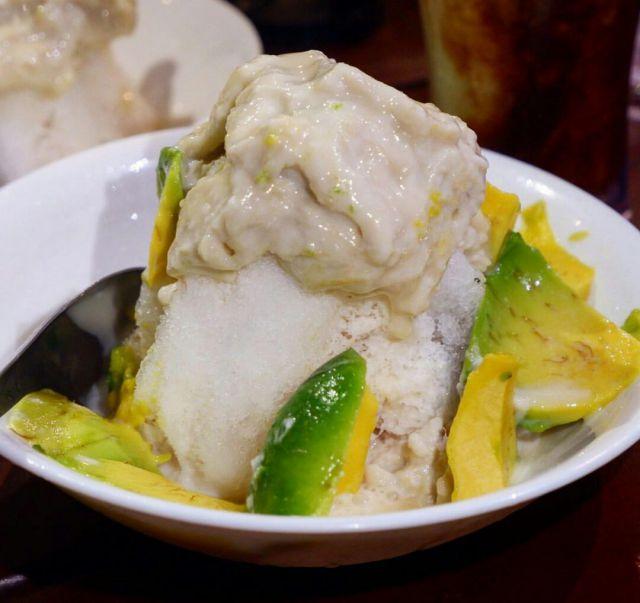 Tak Kuasa Menolak Kenikmatan Es dan Jus Durian di Warung Aka Desa Dorogowok