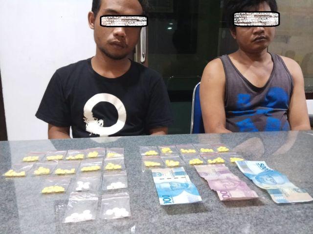 Dua Sekawan asal Kaliboto Kepergok Polisi Lumajang Edarkan Pil Koplo