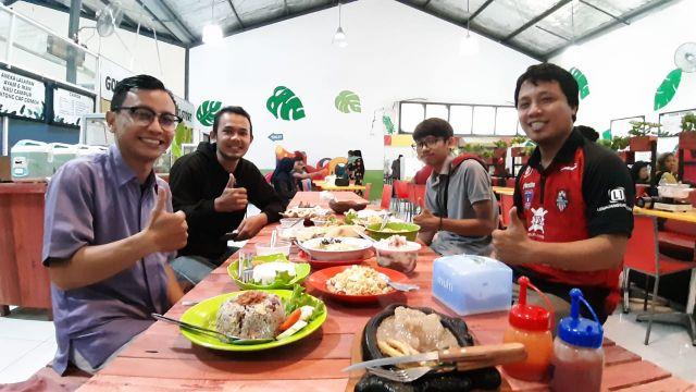 Ge eS Foodcourt Tempat Kuliner Lumajang Harga Terjangkau
