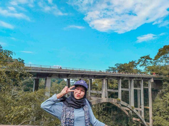 Serunya Ngabuburit di Jembatan Perak Lumajang