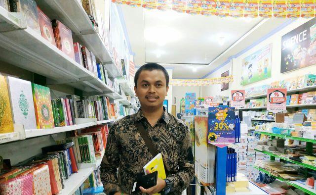 Hasyim Ketua FLP Lumajang Lahirkan Penulis Produktif