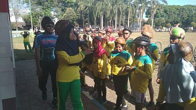 Helm Batok Kelapa Kreasi Unik Siswa SMPN 3 Lumajang