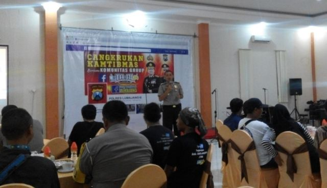 Kapolres AKBP Raydian Kokrosono SIK Cangkrukan Kamtibmas Bersama Facebooker Lumajang dan TA-AL