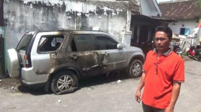 Sering Dapat Teror, Mobil Ketua LSM Lingkungan Ampel Dibakar