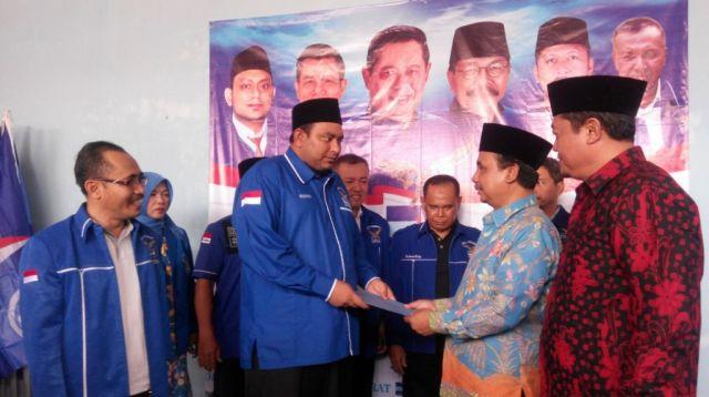 As'at Malik Daftar Calon Bupati Lumajang 2018 Lewat Partai Demokrat