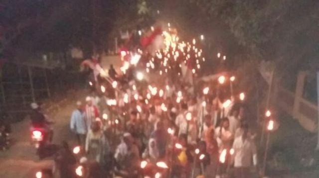 Sambut 1 Muharram 1439 H, Ribuan Santri Madin di Lumajang Gelar Pawai Obor