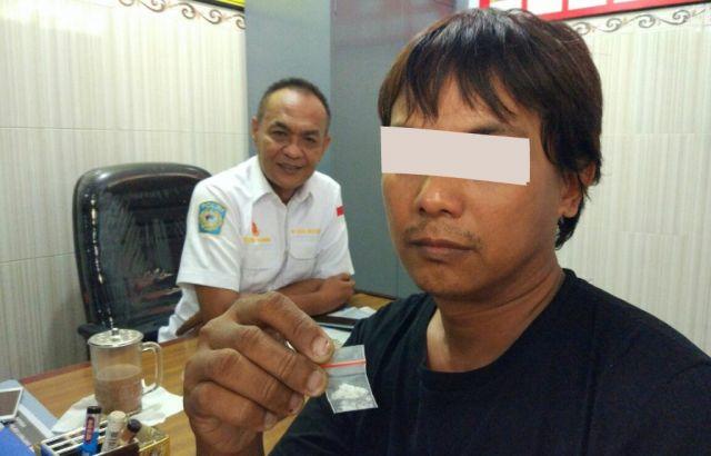 Pakai Narkoba, Pedagang Sempol di Alun-alun Pasirian Diringkus Polisi