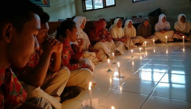 Peringati G30S PKI, SCS SMAN 3 Lumajang Nyalakan Lilin