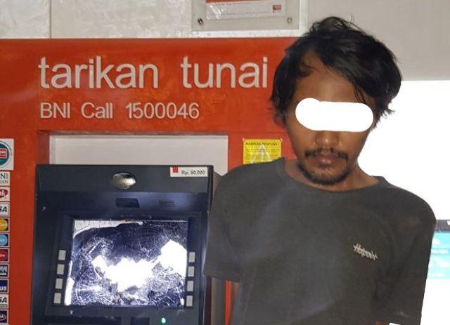 Polisi Ringkus Perusak ATM di Dekat Kantor Samsat Lumajang
