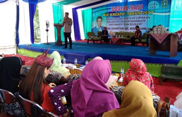 Sosialisasi Bersama BKKBN Jatim, Ayub Khan Ajak Warga Tekan Angka Nikah Muda