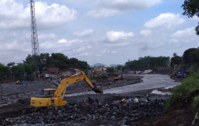 Terkendala Banjir, Pembangunan Dam Kali Asem Terus Dikebut