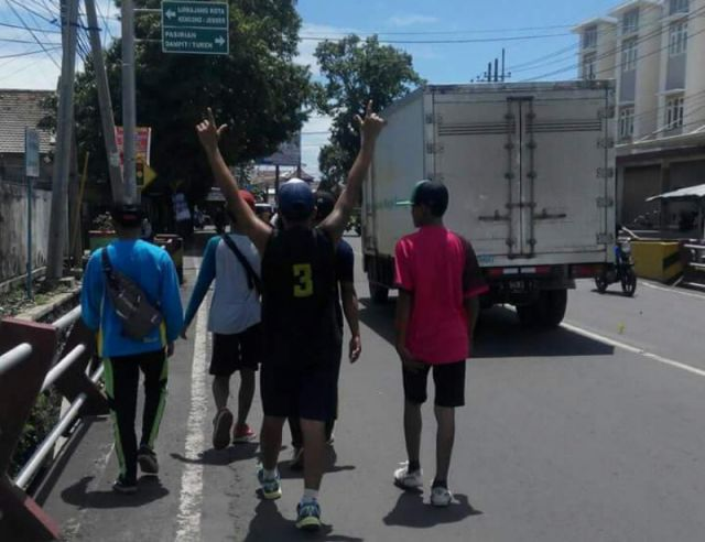 Gerak Jalan Candil, Jalur Candipuro Lumajang Ditutup dari Roda Empat