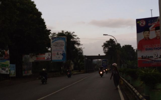 Tak Kuat Tahan Beban Berlebih, Jembatan Bondoyudo Retak