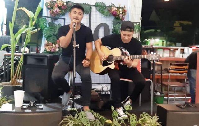 Irawan Indra Penyanyi Lokal  Lumajang Miliki 3 Single Lagu