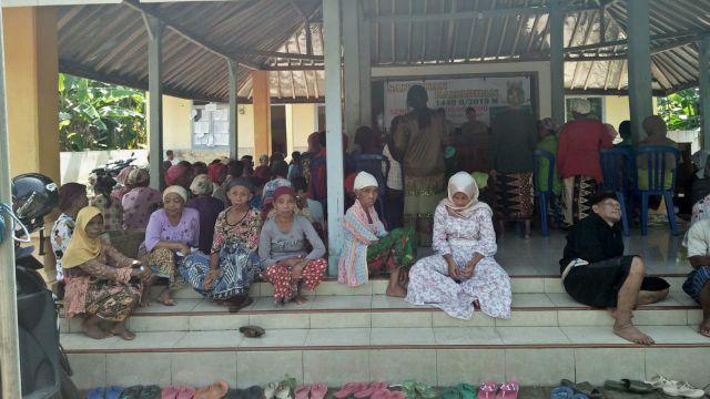 Ribuan Janda Tua di Lumajang Terima Zakat