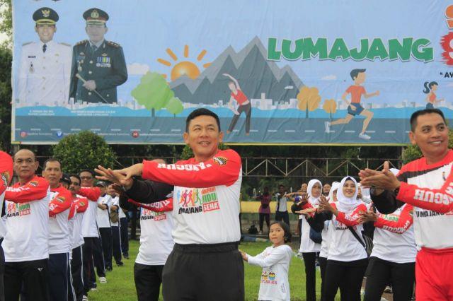 AKBP Adewira Ikut Menggelorakan Hidup Sehat di Alun-alun Lumajang