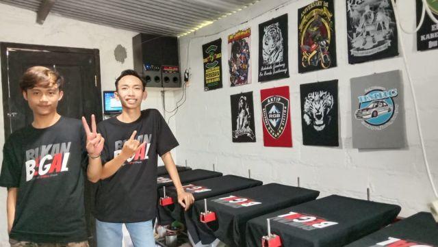 Tim Creatif Lumajangsatu.com Terus Kebanjiran Order Kaos Bukan Begal