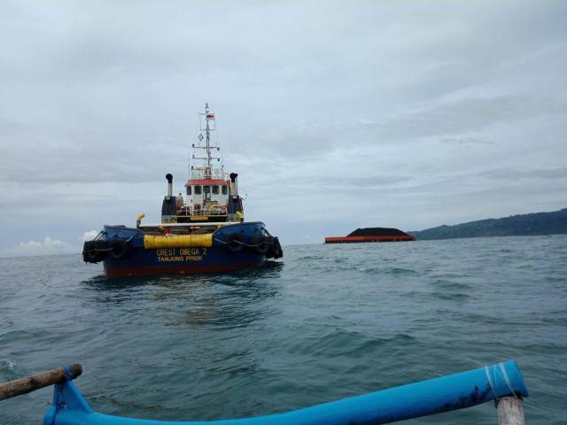 Inilah Penyebab Kapal Tongkang Batu Bara Tedampar di Tempursari