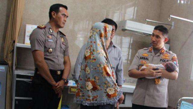 Polisi Buru Pelaku Pembuang Bayi Tak Berdosa di Tumpeng