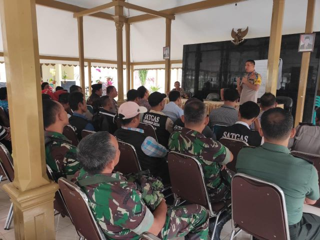 Kades  Ranuyoso dan Klakah Dikumpulkkan Untuk Basmi Begal di Lumajang Utara