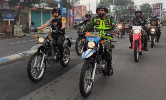 Polres dan Kodim 0821 Patroli Keamanan Wilayah Lumajang jelang Pemilu 2019
