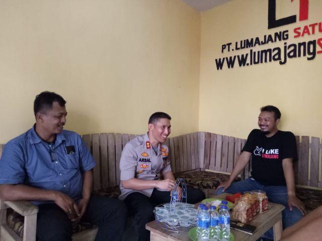 Kapolres Lumajang AKBP Arsal Sahban Kunjungi Redaksi Lumajangsatu.com