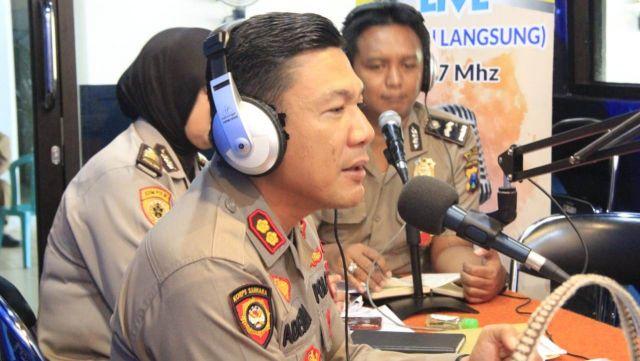 Kapolres Lumajang Sosialisasi Penerimaan Polri di Radio