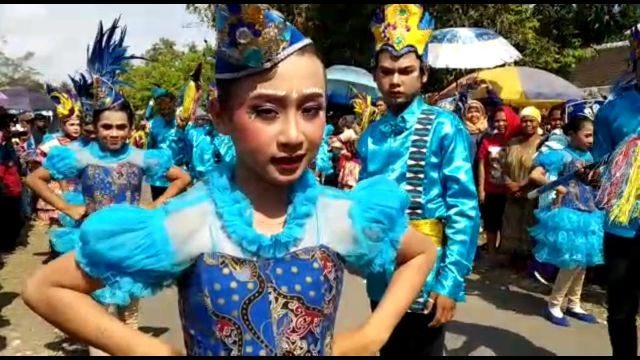 Meriahnya..! Karnval Desa Banyuputih Kidul Jatiroto Hingga Tengah Malam