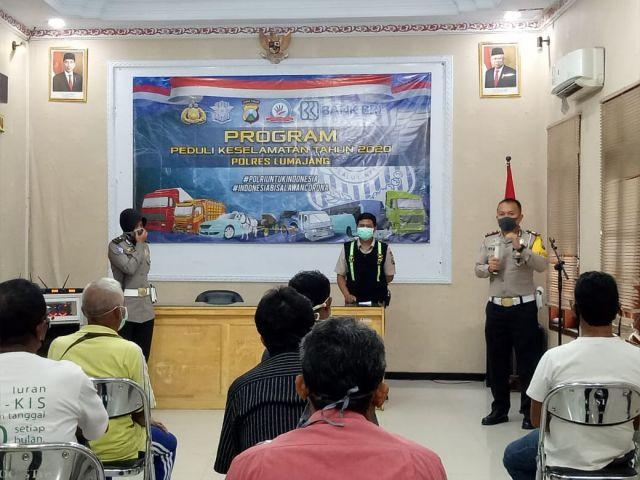Satlantas Polres Lumajang Berikan Bantuan Kepada Sopir Selama 3 Bulan