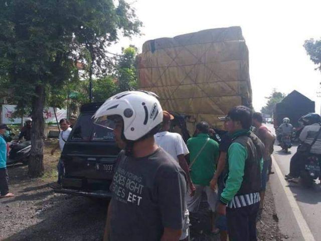 Tabrakan Maut di Probolinggo Sebabkan 6 Orang Tewas asal Sukodono
