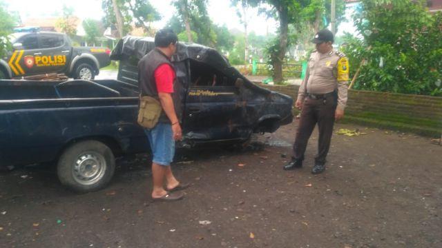 Kecelakaan Polee..! Pick UP Ringsek di Jalan Raya Tekung Lumajang