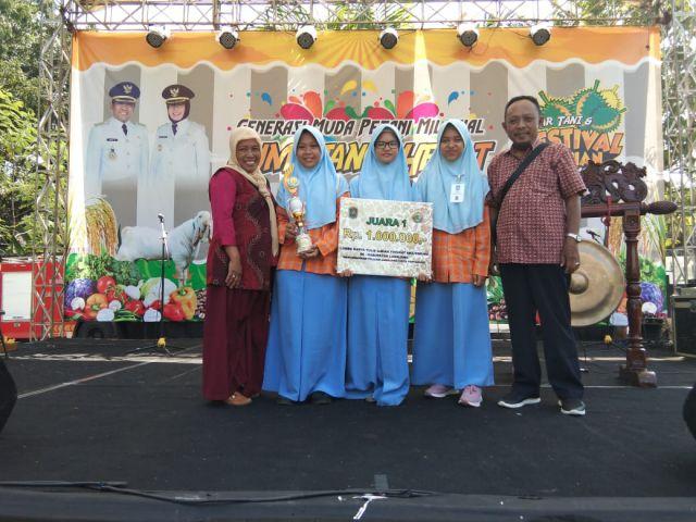 Luhita Cs dari Smada Juarai Karya Ilmiah Pertanian Lumajang