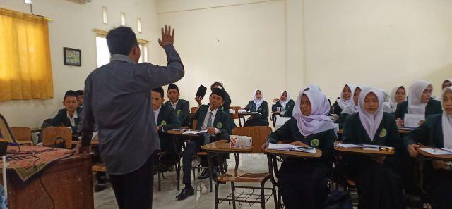 Puluhan Mahasiswa FDKI IAI Syarifuddin Ikut Pembekalan PPL ke Dunia Kerja