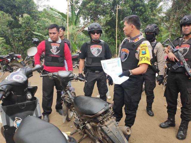 Kapolres Lumajang dan Tim Cobra Temukan Belasan Motor dan Sebuah Truk Diduga Bodong