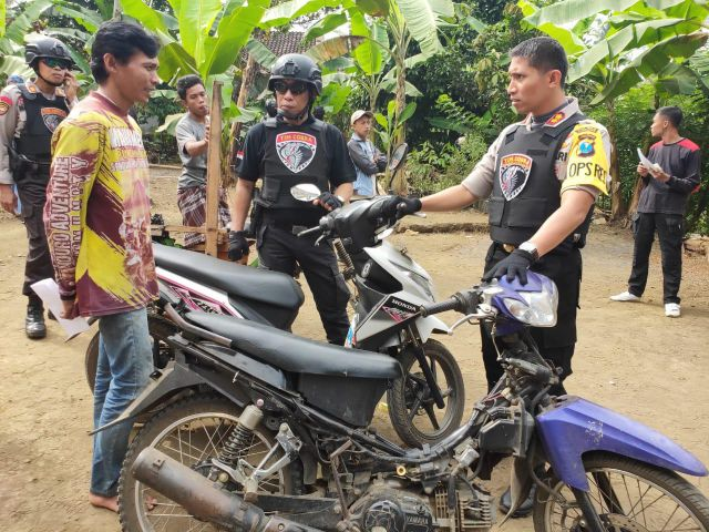 Kapolres Lumajang Dapati Keluarga Kaya Miliki 3 Motor Bodong di Sumberwringin - Klakah