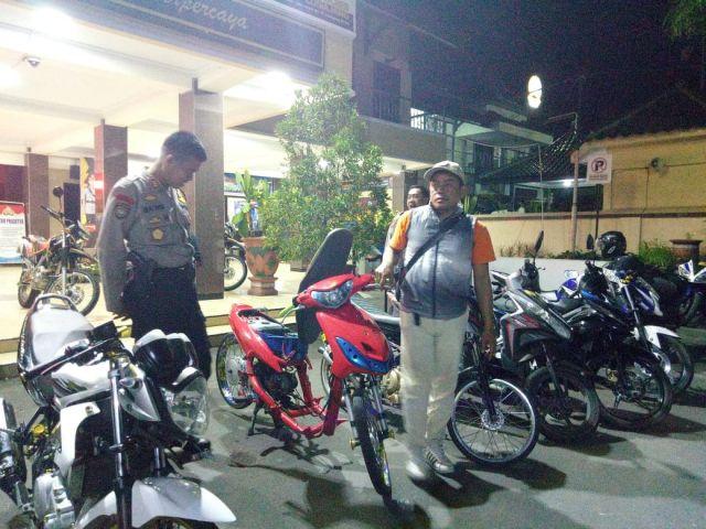 Polisi Lumajang Amankan Motor Matic Protolan Seminggu Ketilang 2 Kali