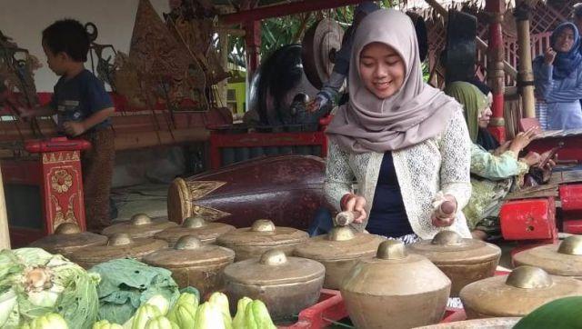Wisatawan Bisa Belajar Alat Musik Tradisional di Loemadjang Djadoel