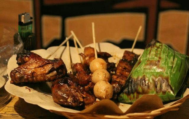 Nikmatnya Nasi Bakar di Mampir Angkringan Lumajang