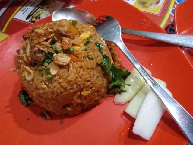 Nasi Goreng Nyonyor Pedasnya Bikin Menjerit
