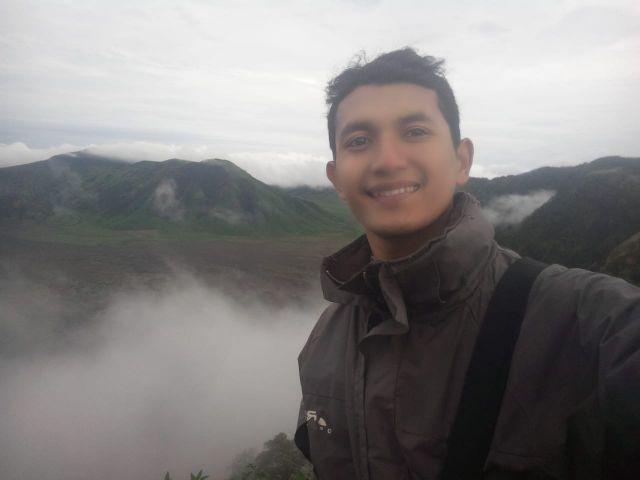Nurhadi Wicaksono Jurnalis Sekaligus Guru Ngaji di Kampungnya