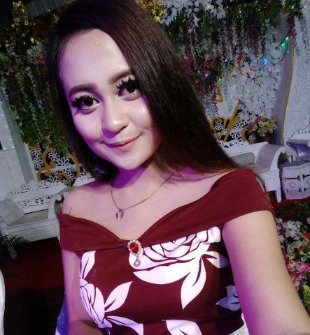Nuri Audista Penyanyi Dangdut Naik Daun di Lumajang