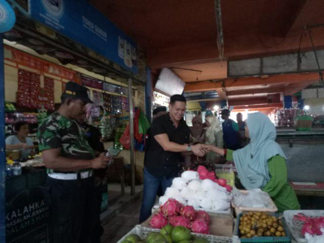 Serap  Aspirasi Pedagang,  Ferlyanto Blusukan ke Pasar Pasirian Lumajang