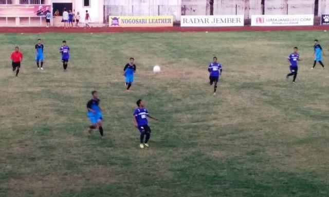 Main Trengginas, PSIL Hajar Jember United 2-0