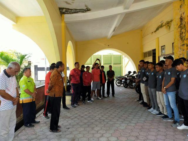 Dispora dan Askab PSSI Lumajang Lepas Tim PSIL ke Jakarta