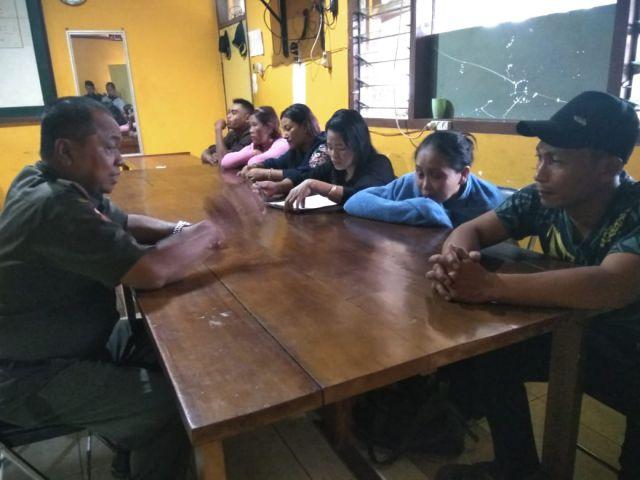 Menik Menangis Saat Diinterogasi Kadispol PP Lumajang