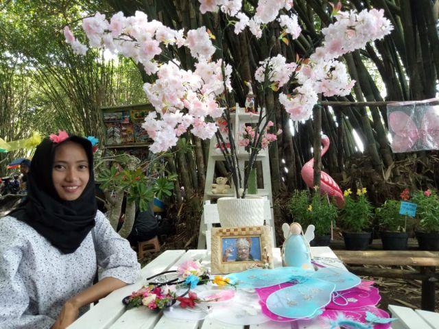 Wisata Sumber Mujur Ada Kebun Bunga Kaki Gunung Semeru