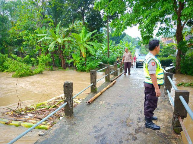 Polisi Pantau Daerah Bencana Demi Keamanan Warga