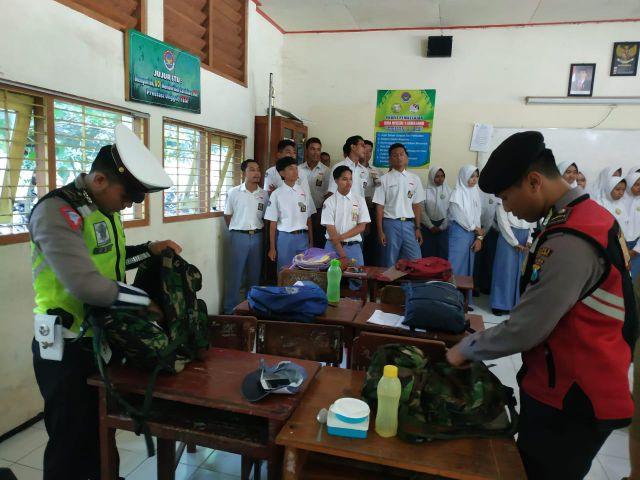 Polisi Razia Sekolah Antisipasi Peredaran Narkoba di Kalangan Pelajar Lumajang