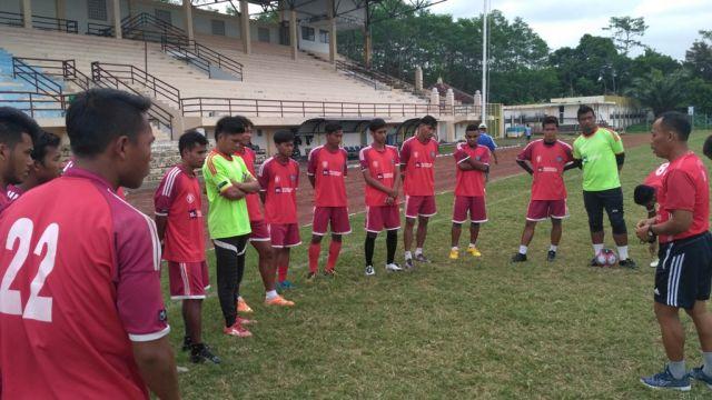 Usai Ikuti Lisensi B AFC, Putuh Latih Skuad Semeru FC